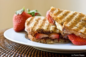Strawberry_Banana_Nutella_Panini-close-490